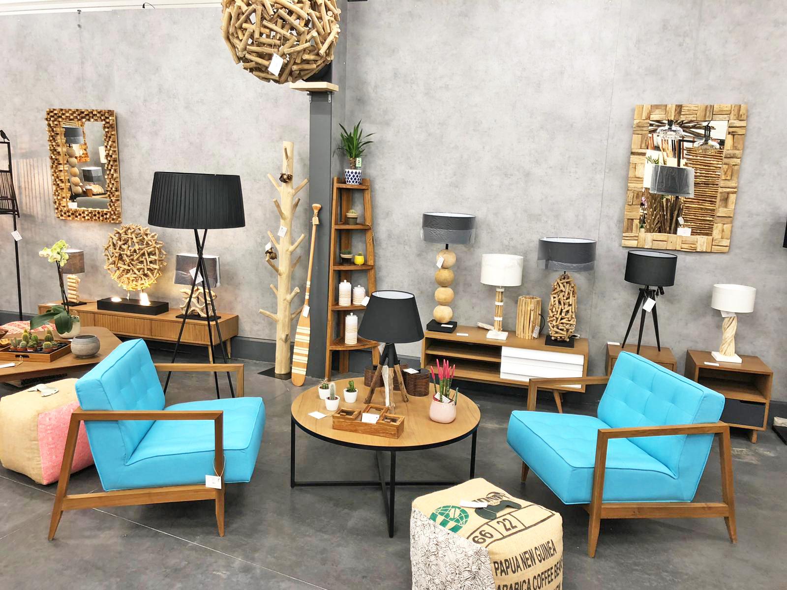 boudoir du monde meubles d coration le bruit qui court en roannais. Black Bedroom Furniture Sets. Home Design Ideas