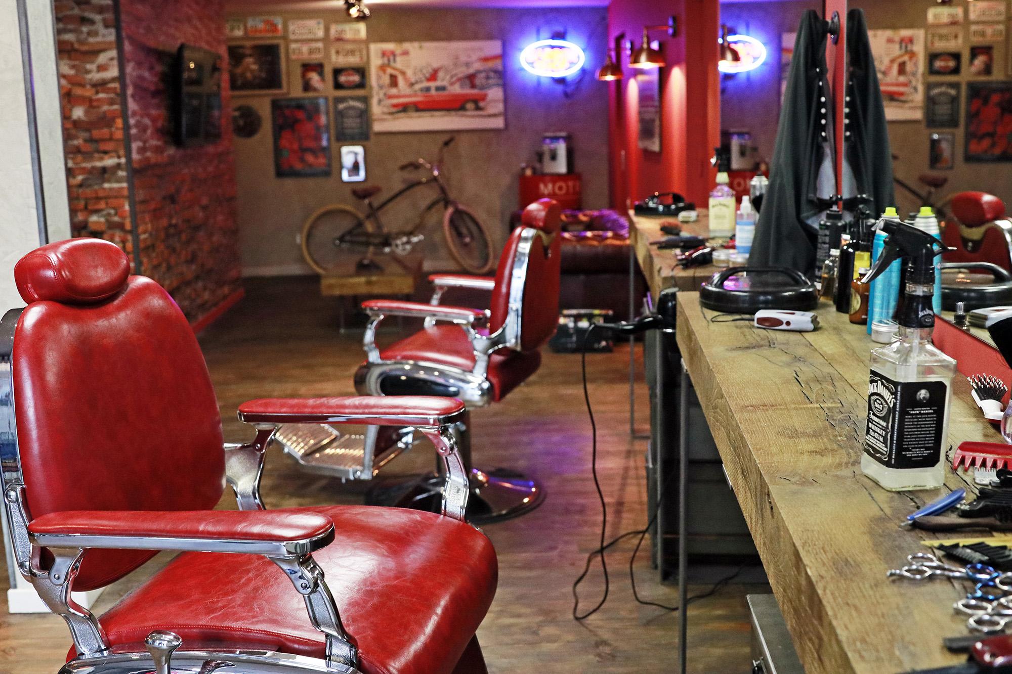 CÔTÉ HOMME / CÔTÉ FEMME – Salons de coiffure HOMME – BARBER ...