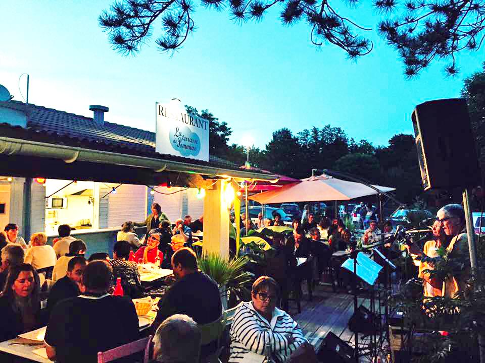 La Terrasse De Pommiers Restaurant Guinguette Le Bruit